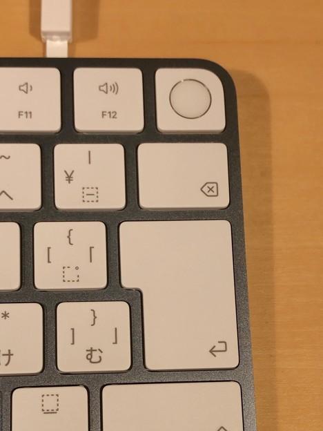 M1搭載iMacのブルーモデル - 6:キーボード(Touch IDあり)