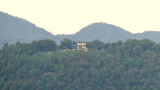 継鹿尾山の登山道から見た景色 - 2:陰平山うぬまの森の展望台