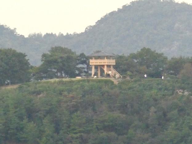 継鹿尾山の登山道から見た景色 - 3:陰平山うぬまの森の展望台