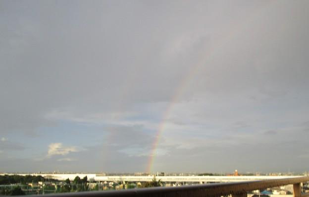 早朝の虹は西に見えた3