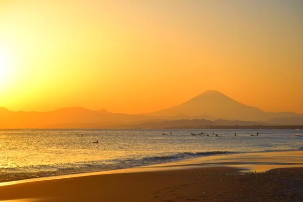 夕暮れの富士山@湘南・鵠沼海岸 #湘南 #藤沢 #海 #波 #wave #surfing #fujisan #mtfuji #富士山