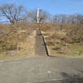 長峰公園の丘の道と上り階段(2月14日)
