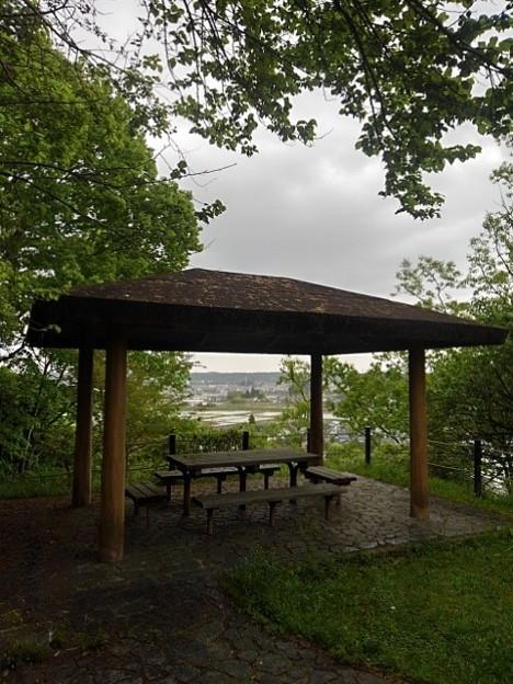 丘の休憩所(5月1日)