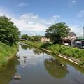 映り込みのある川(5月26日)