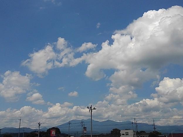 駐車場から見えた大きな雲のある青空(8月2日)