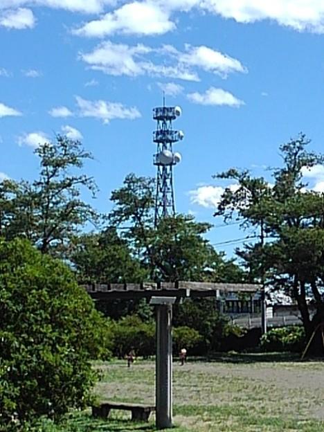 長峰公園から見えた鉄塔(8月10日)
