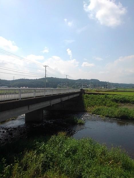 道路橋と川(8月30日)