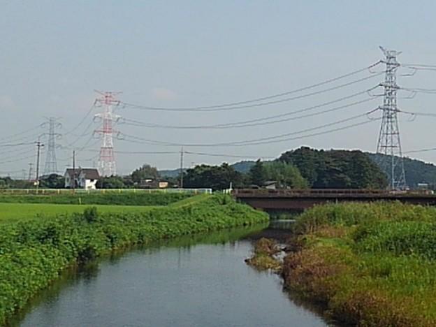 川崎城跡公園の橋から見えた鉄塔(8月28日)