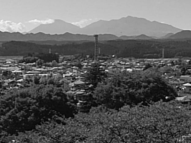 日光連山のある景色(9月19日)モノクロ版