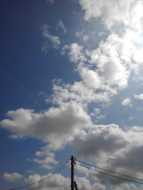 電柱の奥の空(9月23日)