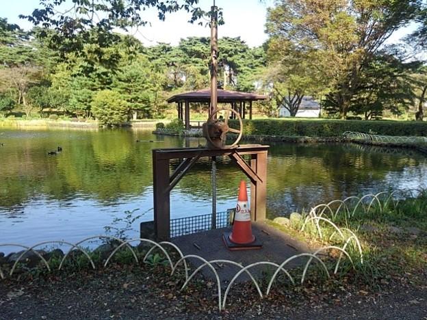 烏ヶ森公園の池の水門(10月3日)
