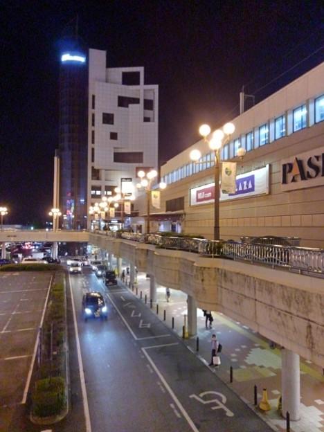 街灯が光る夜の宇都宮駅(10月8日)