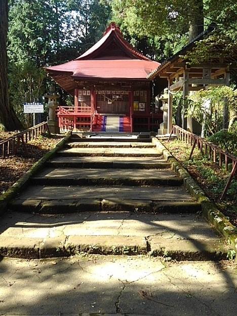 烏ヶ森公園の社(10月3日)