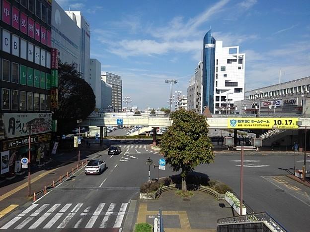 様々なビルのある宇都宮駅前(10月9日)