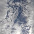 雲の隙間から見えた鱗雲(10月17日)