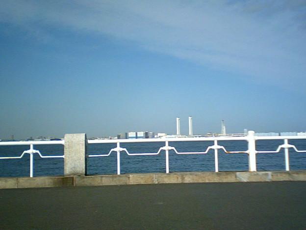 横浜から海を