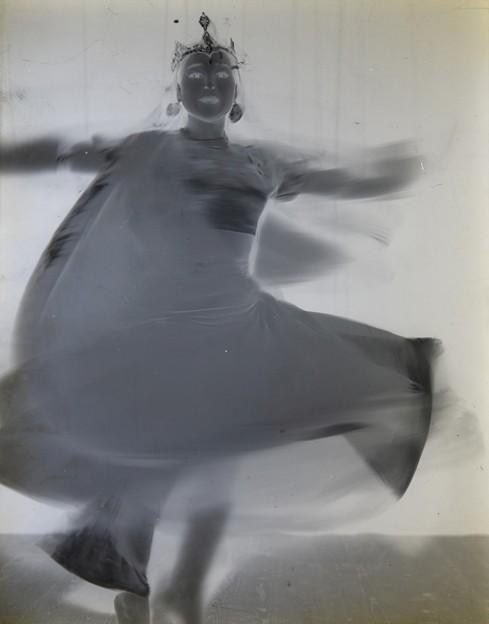 Photos: ガラス乾板の踊り子