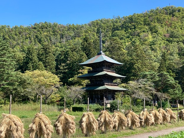 三重塔と稲杭