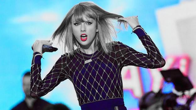 Beautiful Blue Eyes of Taylor Swift(11140)