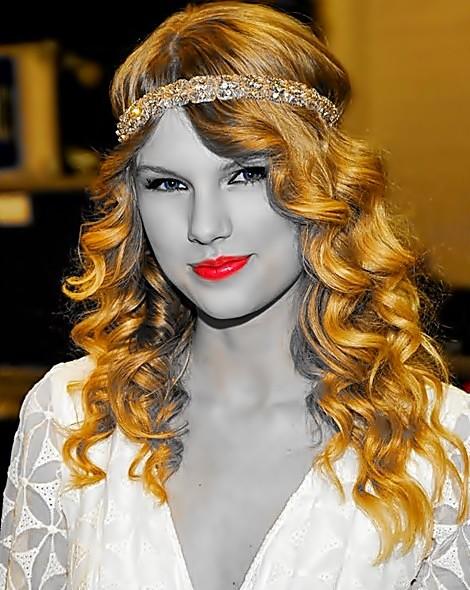 Beautiful Blue Eyes of Taylor Swift(11141)