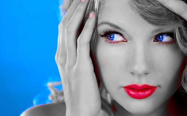 Beautiful Blue Eyes of Taylor Swift(11142)