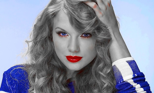 Beautiful Blue Eyes of Taylor Swift(11157)