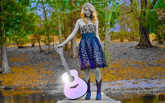 Beautiful Blue Eyes of Taylor Swift(11186)