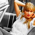 Beautiful Blue Eyes of Taylor Swift(11191)