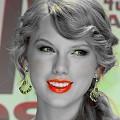 Beautiful Blue Eyes of Taylor Swift(11205)
