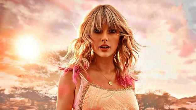 Beautiful Blue Eyes of Taylor Swift(11235)