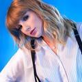 Beautiful Blue Eyes of Taylor Swift(11243)