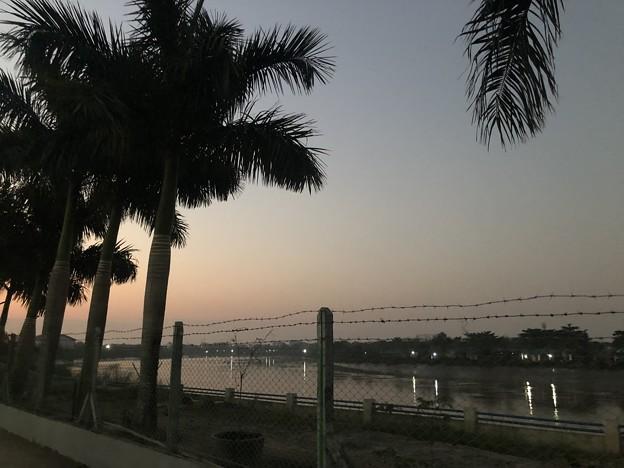 ヤンゴンのガーデンの朝 3月5日 (2)