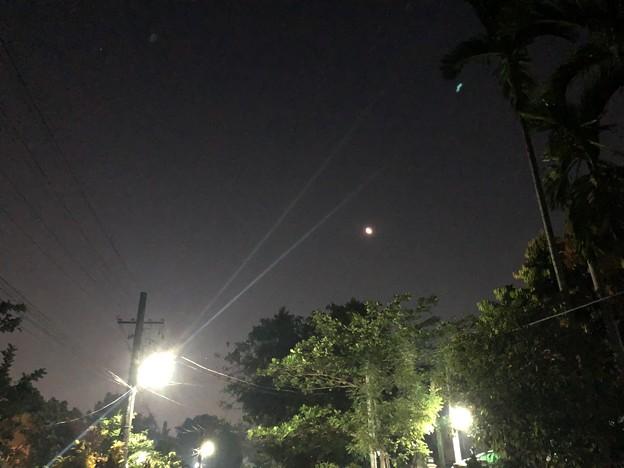 早朝のヤンゴン3月9日 (1)