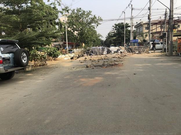 道路封鎖 ヤンゴン (3)