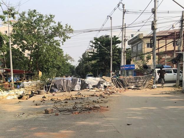 道路封鎖 ヤンゴン (5)