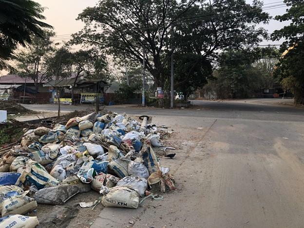 ヤンゴン 消えた路上のバリケード (2)