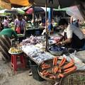 戒厳令下のヤンゴンの市場 (3)