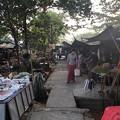戒厳令下のヤンゴンの市場 (8)