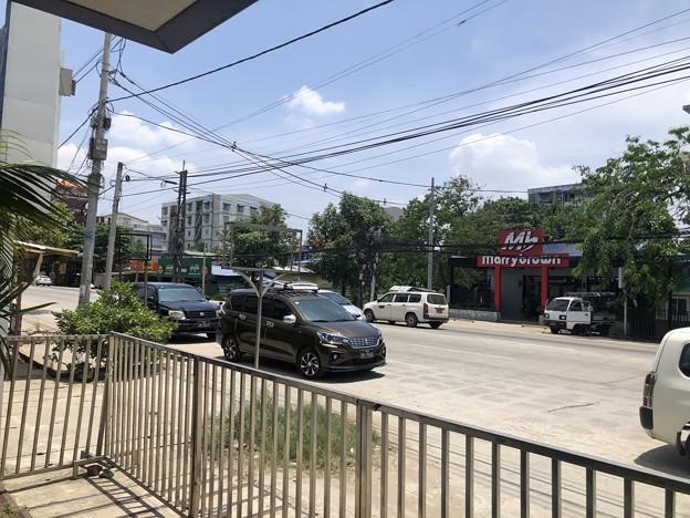 ゴーストタウン化するヤンゴン (2)