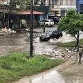 Photos: 道路冠水のヤンゴン (3)