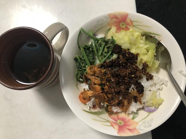 9月19日の朝ごはんはミャンマー料理の朝ごはん