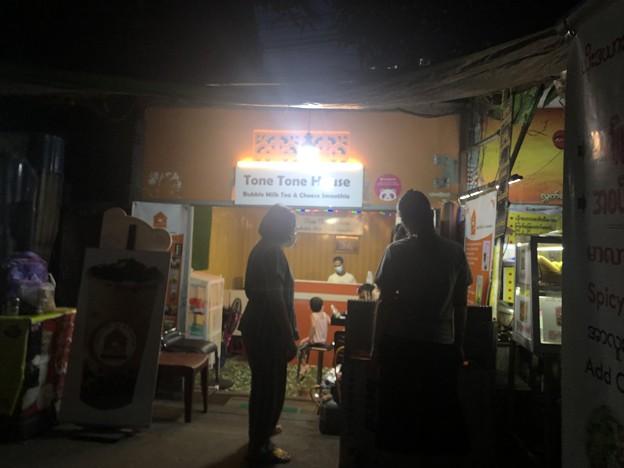 ヤンゴン9月20日の宴の夜 (3)