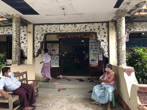 ヤンゴンのコロナワクチン接種会場 (2)