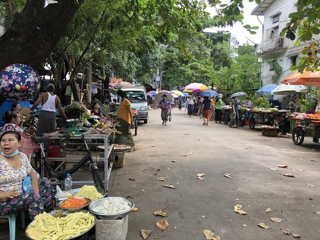 10月10日 ヤンゴンの今 (1)