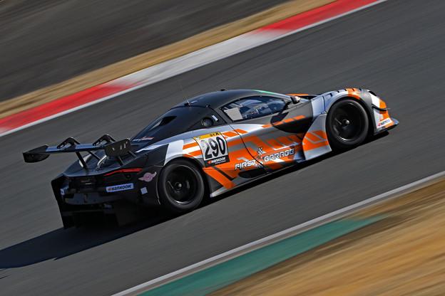 Floral Racing McLaren 720S GT3_2
