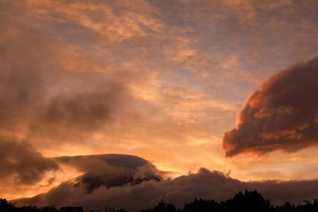 梅雨時の夕景