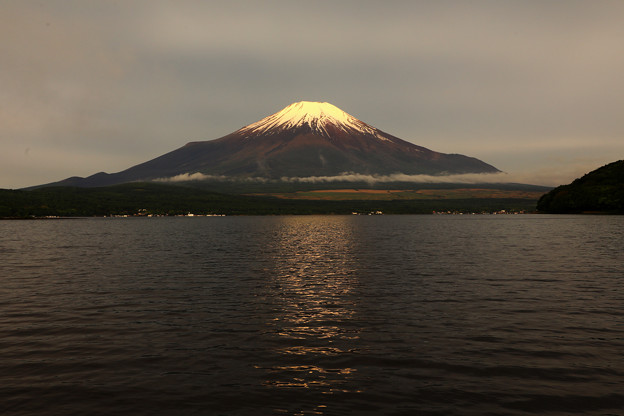 梅雨富士 全景
