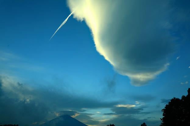 夕刻の吊るし雲