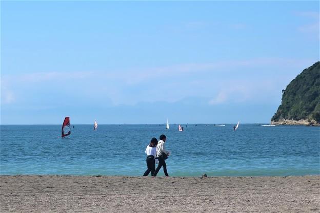 平日の逗子海岸