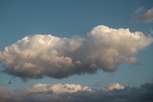 Photos: 大きく厚い雲